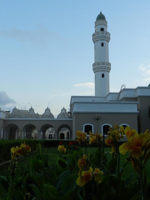 Sheikh Essa Al Mashani Mosque, Uncle of HM Mazoon bint Ahmed Ali Al Mashani, mother of Sultan Qaboos