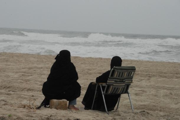enjoying the rough sea (Dahariz beach)