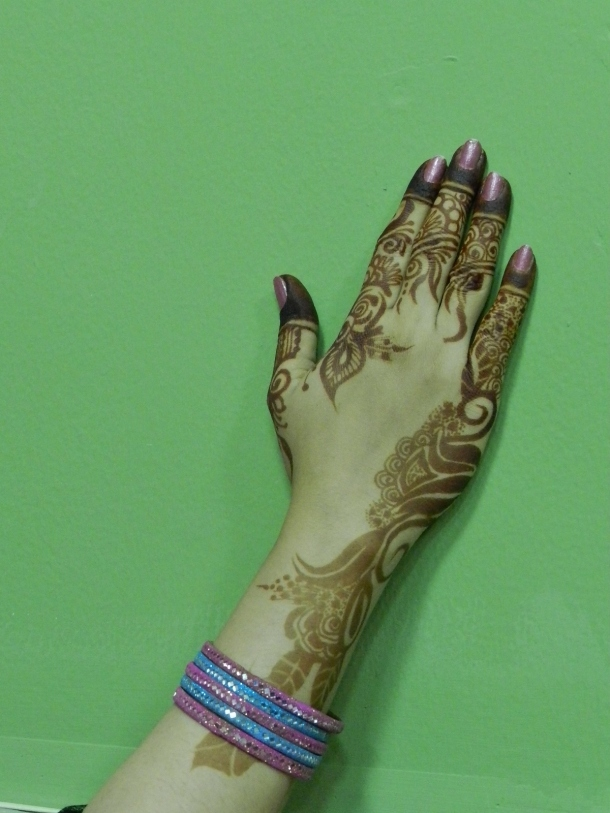 Beauty parlor, black and brown henna