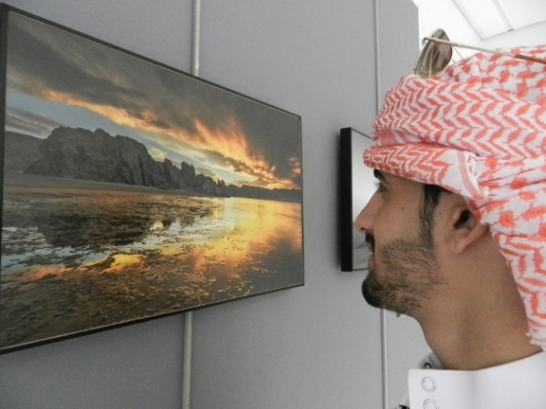 Abdullah, student mechanical Engineer, was overwhelmed by the work: 'Igneous sunset' of Ahmed Abdullah Hamood Al Shukaill (EFIAP). I can walk through this picture, its looks three dimensional.