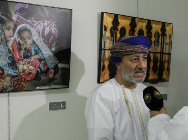 I am very pleased with what I see. The pictures shows the variety of Dhofar but we see also interpretations of countries abroad. For foreigners it is interesting, but even people from Dhofar will  not recognize some of the places shown through the lens of the photographer. This exhibition is like a mirror with a look into the past and with a prediction of the future. And the future which the talents shown here, looks bright.  H.E. Sayyed Mohammed bin Sultan Al Busaidi, Minister of State and Governor of  Dhofar