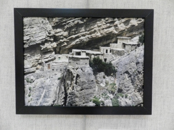 """Living in Jabal Al Akdhar. """"I was surprised to see that people still lived in this houses integrated in the erosion of the mountains that surrounds them. The village is only reachable by foot. The whole scenery is extra ordinary.""""   Ahmed Al Maskri, College of Applied Science"""