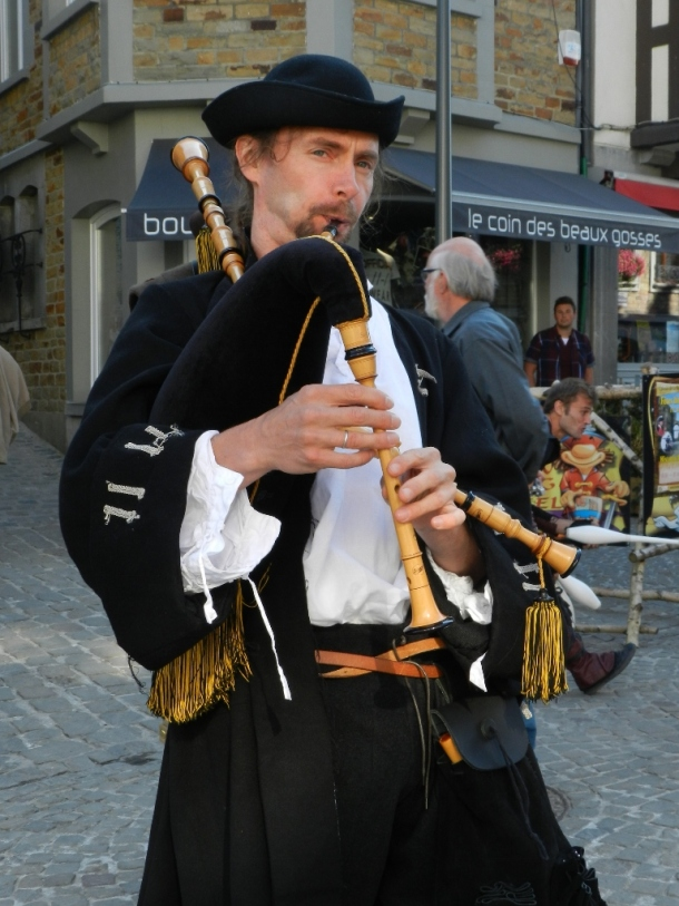 During the Middle Ages, the bagpipe was heard and appreciated by all levels of Society
