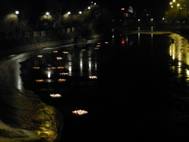 600 wishes made by students and elderly people floating on the River Ourthe ...for a New Year coming up...